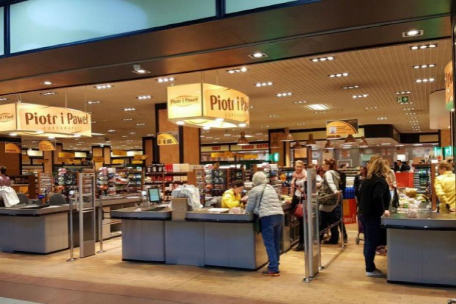 Piotr i Paweł zamyka 8 sklepów