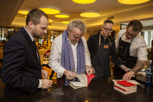 Zdjęcie numer 11 - galeria: Alain Passard, szef kuchni z trzema gwiazdkami Michelin, na Gali Francusko-Polskiej Izby Gospodarczej (galeria)