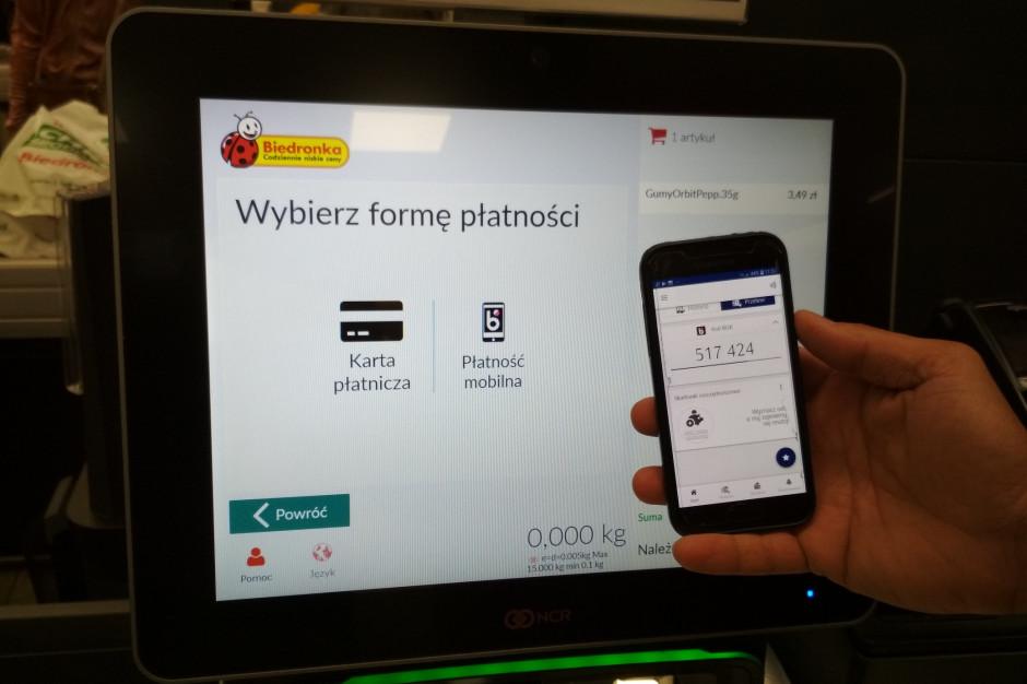 Biedronka: Płatność BLIKIEM zyskuje w sklepach sieci coraz większą popularność