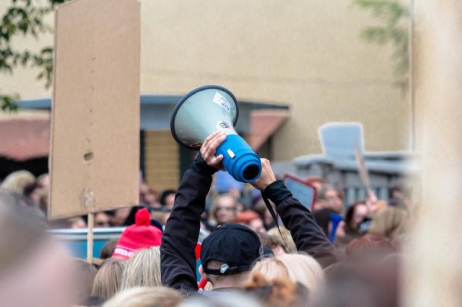 Warszawa: protest rolników pod Sejmem