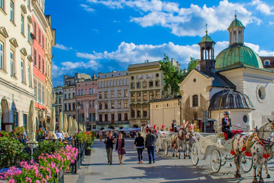 Zamknięte restauracje na Kazimierzu w proteście przeciw strefie czystego transportu