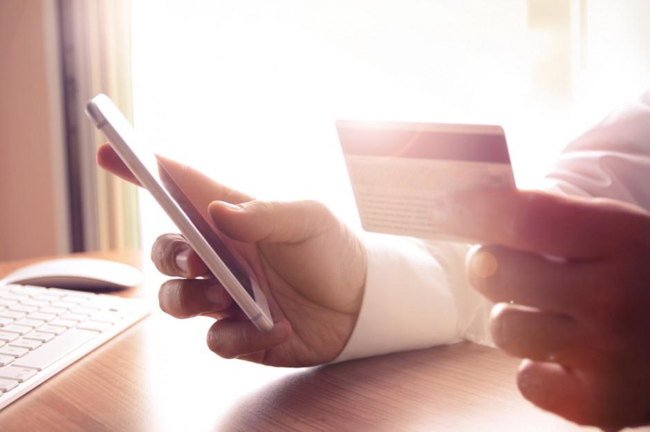 E-commerce: Klientów kupujących przez aplikacje cechuje wysoki współczynnik lojalności