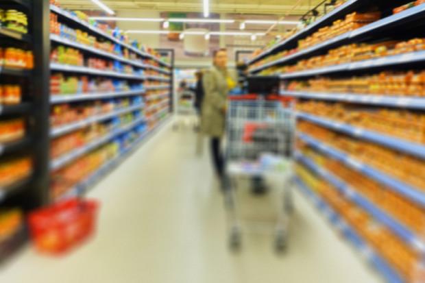 Retail w lutym: Skutki ograniczenia handlu w niedziele, inwestycje i wyniki sieci handlowych