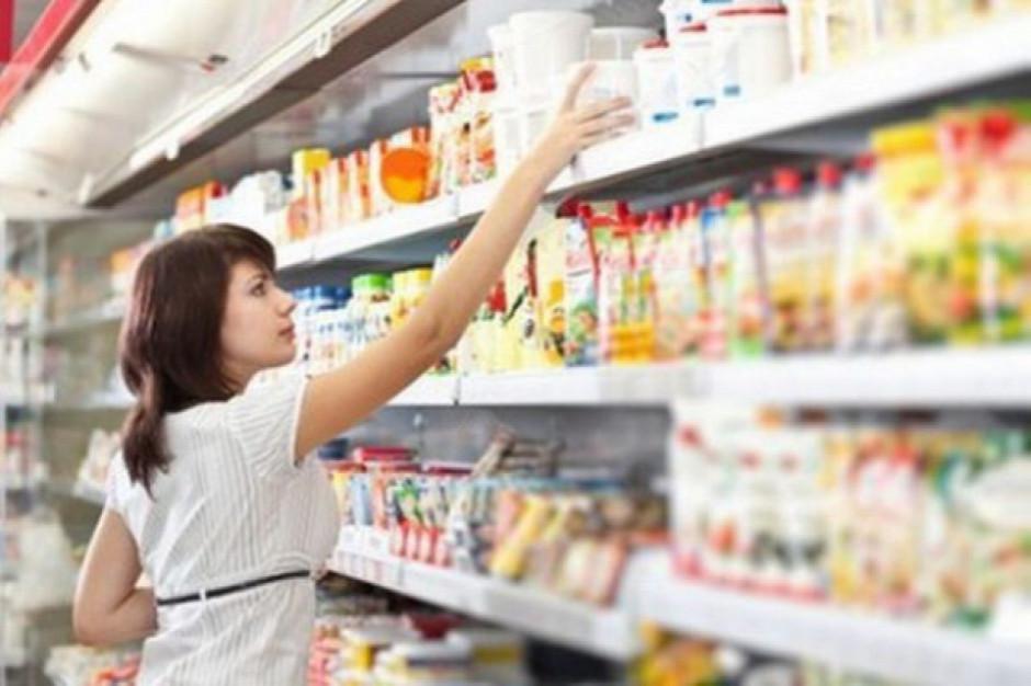 Ponad połowa Polaków nie planuje zwiększać konsumpcji (raport)