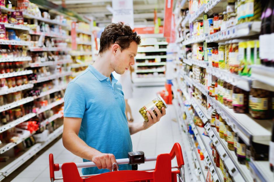 Premier: zaproponujemy ustawę, która utrudni dużym sklepom sprzedaż produktów pod ich marką
