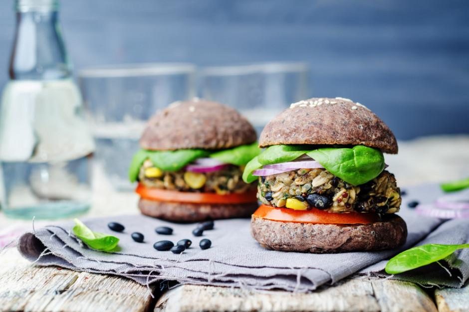 Koniec z wegańskimi burgerami? Branża mięsna przeciwna