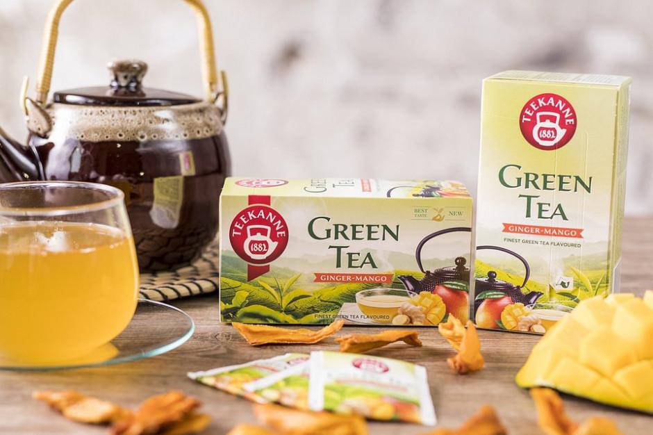 Teekanne z nowymi smakami herbat na wiosnę