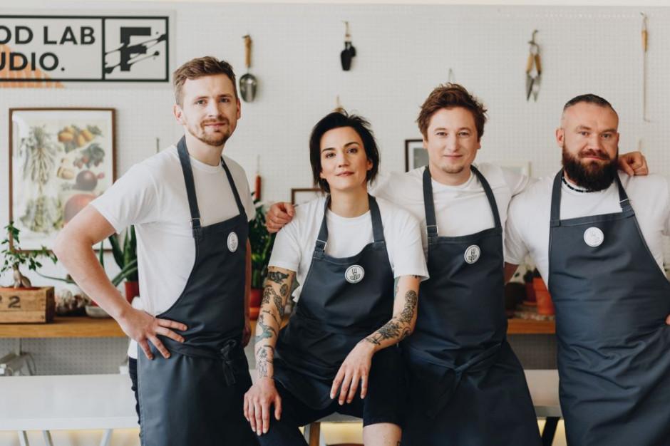 """Szefowie kuchni zainaugurowali cykl charytatywnych kolacji wegańskich """"Chefs For Change"""""""