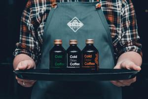 Sieć kawiarni Etno Cafe wycofuje plastikowe słomki