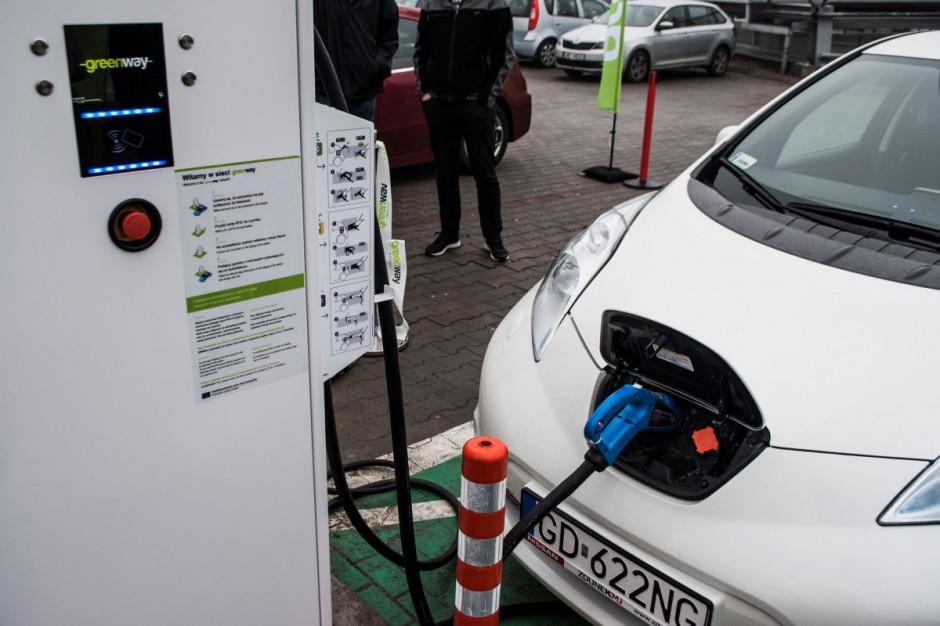 CH Auchan z ładowarkami GreenWay dla klientów z samochodami elektrycznymi