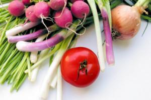 Bronisze: Drogie warzywa gruntowe. Pierwsze nowalijki już na rynku