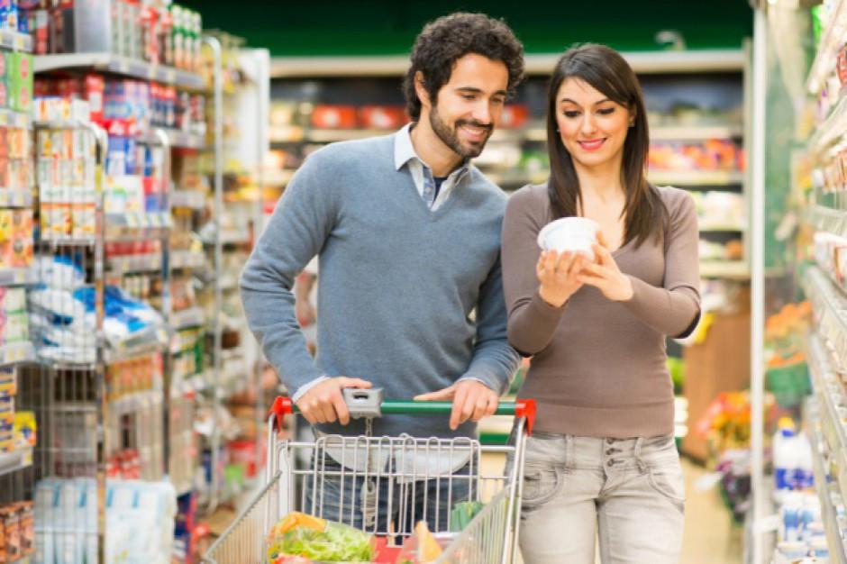 Badanie: 65 proc. przeglądających gazetki promocyjne robi zakupy niemal codziennie