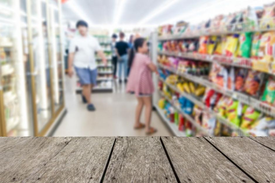 W małych sklepach w lutym nastąpił wzrost sprzedaży i transakcji rdr.