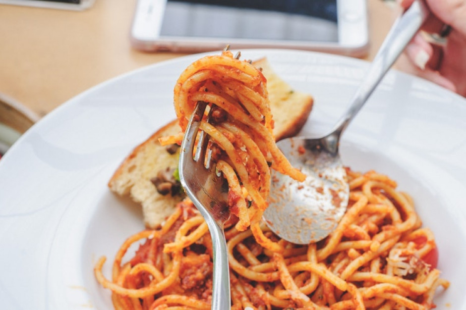 Burmistrz Bolonii przeciwko spaghetti po bolońsku