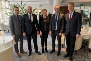 Zdjęcie numer 5 - galeria: Ambasador Królestwa Norwegii z wizytą w Mowi Poland Ustka (zdjęcia)