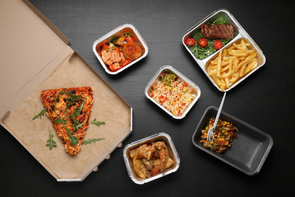 Polacy coraz chętniej zamawiają jedzenie online (raport)