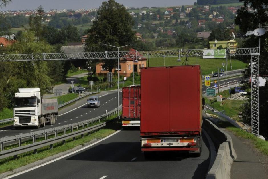 Europosłowie PiS zapowiadają walkę z propozycjami przepisów ws. przewoźników