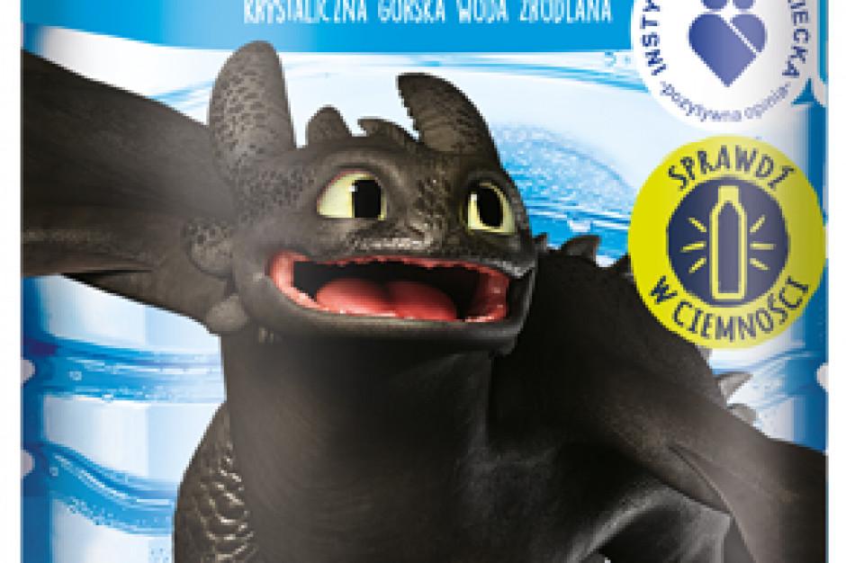 """Bohaterowie filmu """"Jak wytresować smoka 3""""  na etykietach produktów Żywiec Zdrój"""