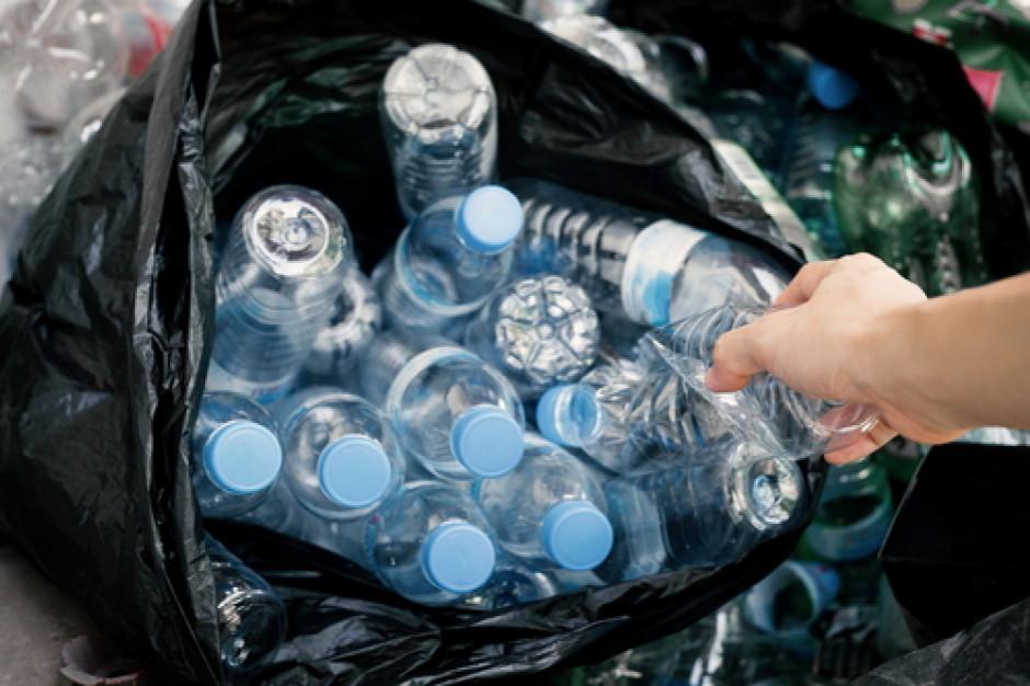 Sklepy będą zmuszone do wprowadzenia kaucji za butelki plastikowe