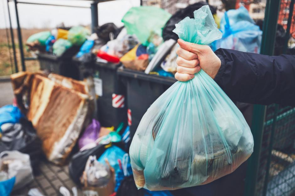 Do końca roku powstanie plan przejścia na bardziej zrównoważone wykorzystywanie plastiku