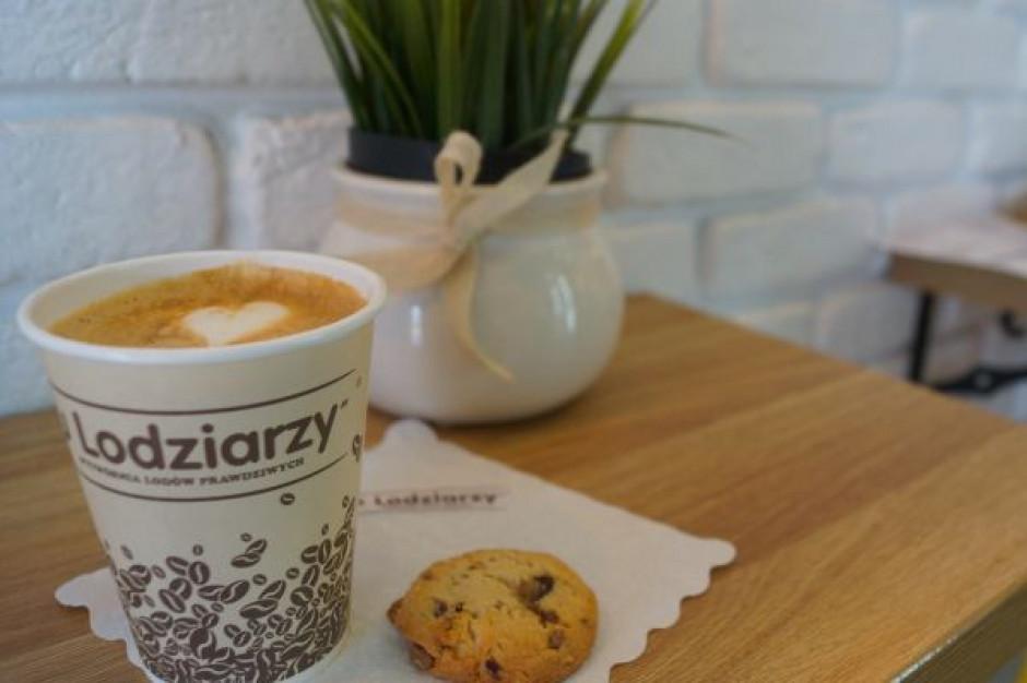 """Wytwórnia """"u Lodziarzy"""" wchodzi w sezon z nowymi otwarciami, kawą i nowymi smakami lodów"""