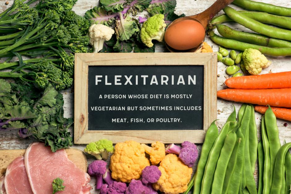 Fleksitarianizm coraz częstszy. 43 proc. Polaków stara się ograniczać jedzenie mięsa