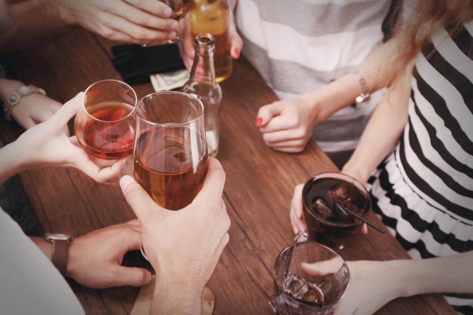 Polacy lubią zmieniać zwyczaje pijąc alkohole, szukają zróżnicowania i lubią testować (badanie)