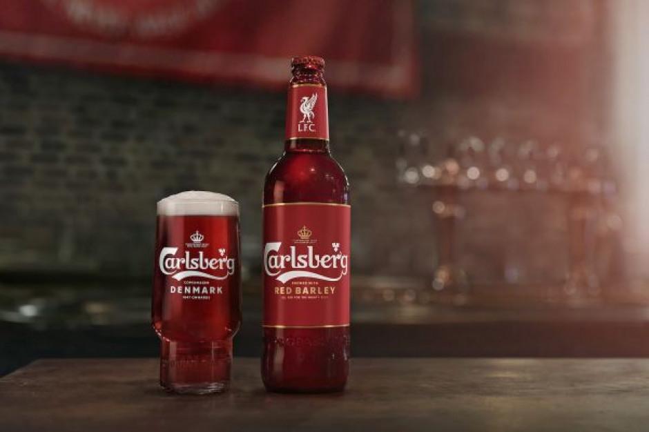 Carlsberg zmienia kolor na czerwony i wprowadza piwo w tym kolorze