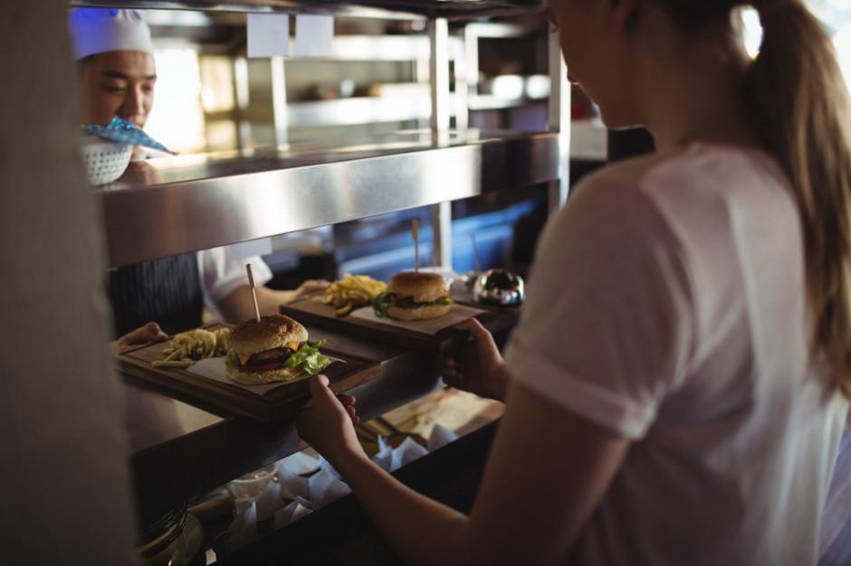 Praca: Coraz mniej pracowników tymczasowych