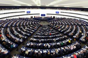 Kandydaci do PE podzieleni ws. przyjęcia euro przez Polskę