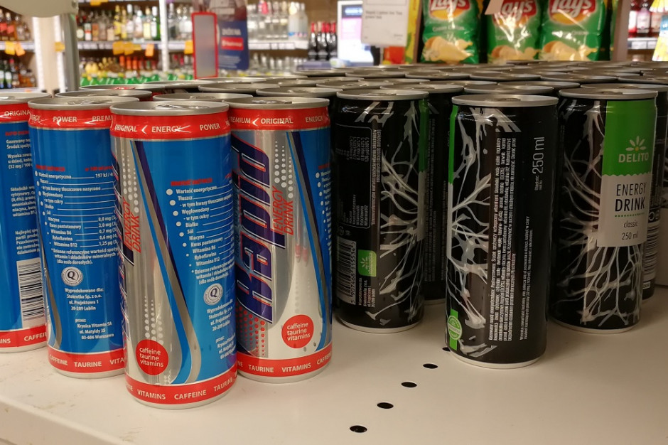 Sklepy coraz więcej promują i sprzedają napojów energetycznych