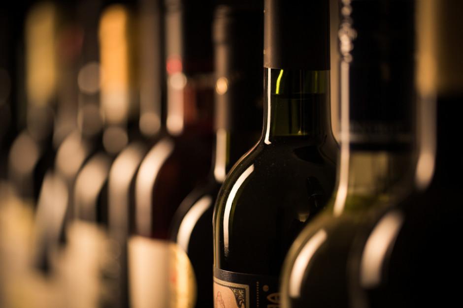 Rosja: Rząd zabronił instytucjom państwowym kupowania win z importu