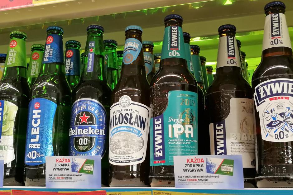 Rosną wymagania Polaków względem piw. Odpowiedzią na to jest wzrost promocji w sklepach