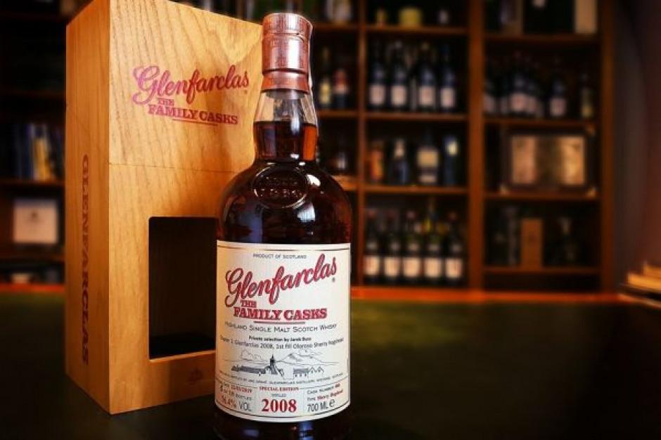 "Na polskim rynku pojawiła się whisky ""Glenfarclas The Family Casks 2008. Private selection by Jarek Buss"""