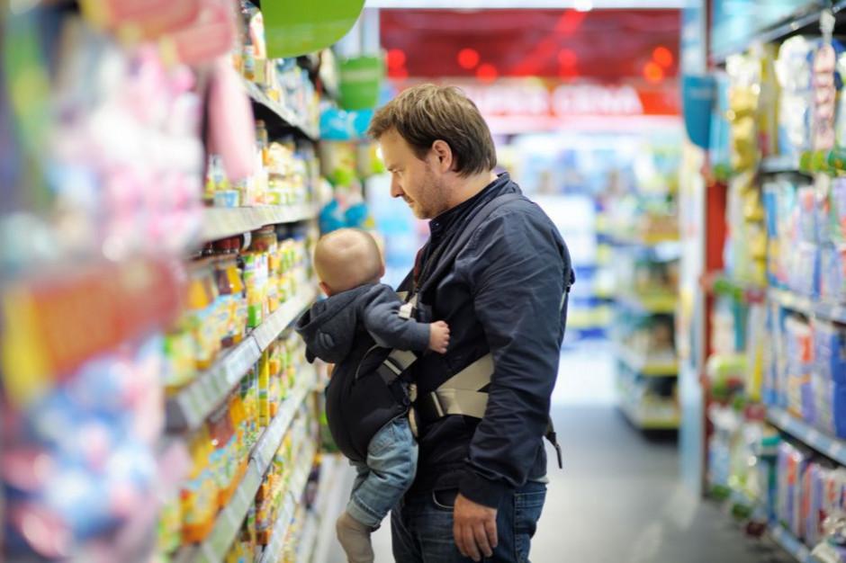 W małych sklepach Polacy wydają więcej niż przed rokiem