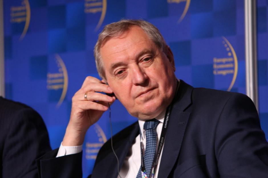 Minister Kowalczyk: powinna być kaucja za opakowania m.in. z makulatury, szkła i plastiku