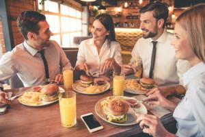 Gastronomia w obiektach biurowych. Gdzie stołują się pracownicy?
