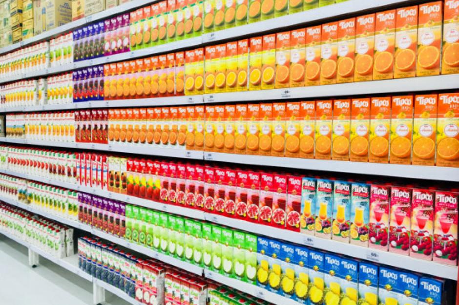 Przedsiębiorcy zadowoleni: nie będzie podwyżki VAT na napoje owocowe