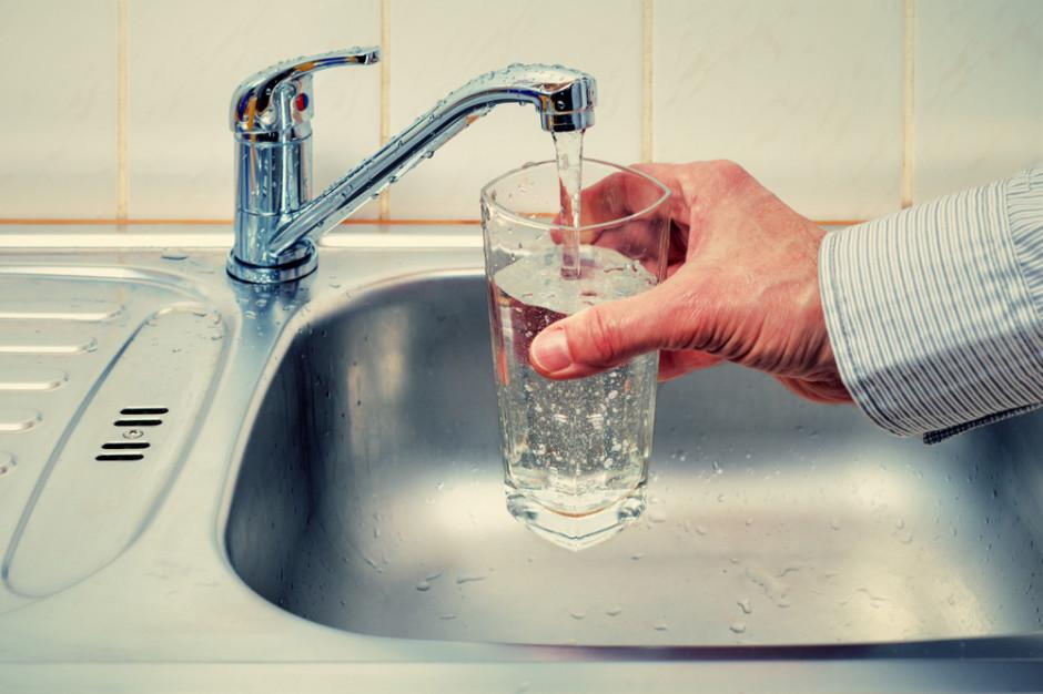 Łódzkie: Radni będą pić kranówkę zamiast wody butelkowanej