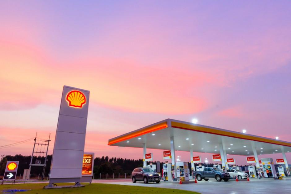 Shell: rosnąca popularność samochodów elektrycznych zmieni stacje paliw