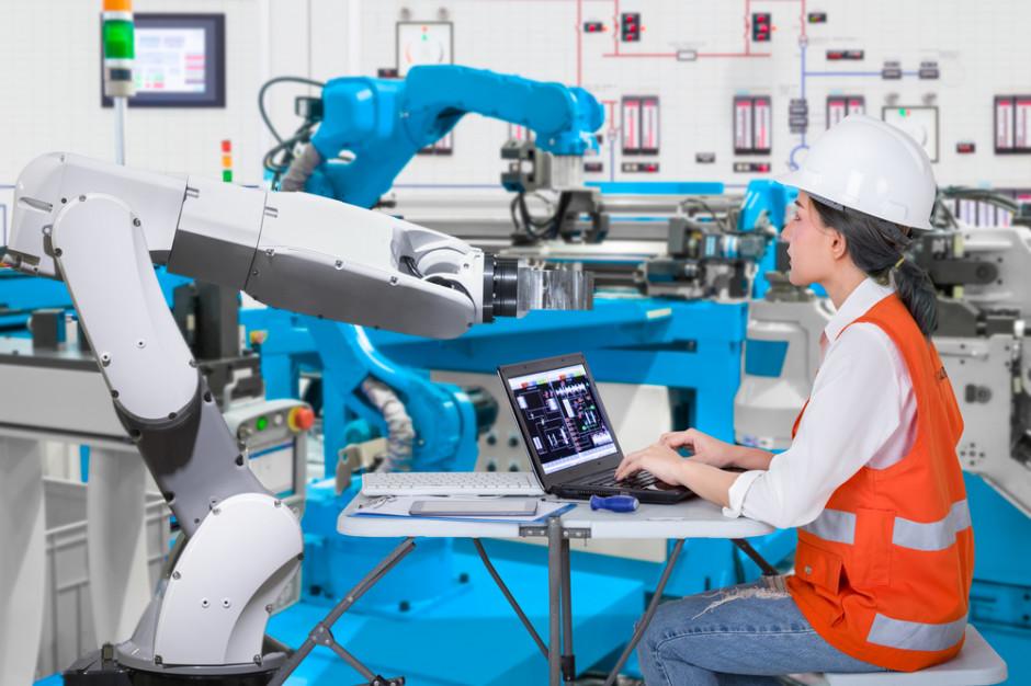 Automatyzacja rynku pracy uderzy w kobiety?