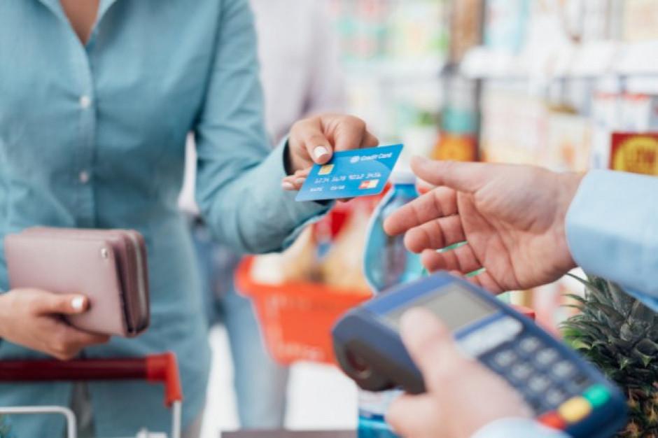 Kraków: Płacili za żywność cudzą kartą bankomatową