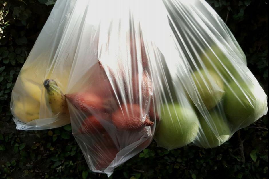 Opłatą recyklingową mają zostać objęte niemal wszystkie foliówki w sklepach
