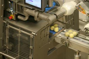 Zdjęcie numer 3 - galeria: Traysealer Ishida zwiększa efektywność producji pyz ziemniaczanych (schładzanych)