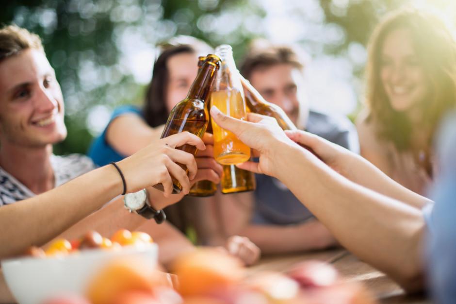 Rynek piw bezalkoholowych rośnie o 80 procent rocznie (wideo)