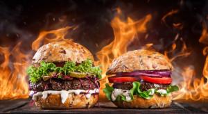 Mięso na wtorek: Strusina i mięso z zebry alternatywą dla wołowego burgera? (wideo)