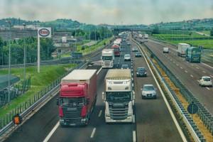 Sezon urlopowy to trudny czas dla kierowców ciężarówek