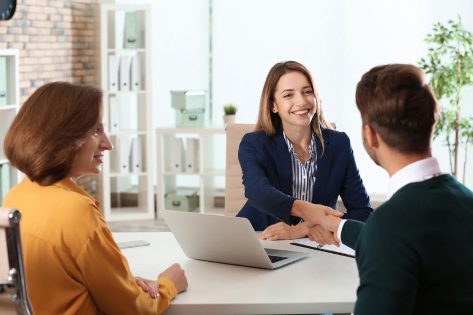 Ekspert: Dobra sytuacja na rynku pracy ułatwia znalezienie zatrudnienia