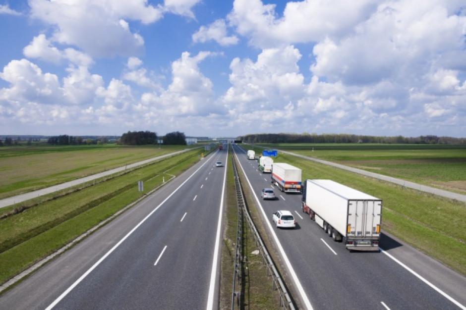 Minister Adamczyk zabiega w Brukseli o korzystne rozwiązania dla przewoźników