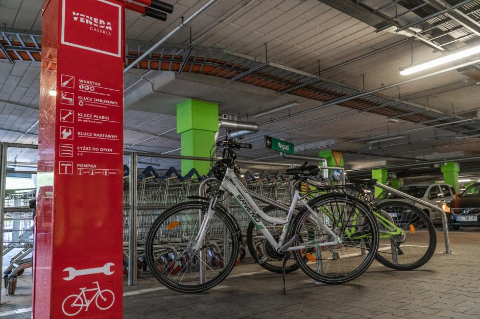 Dwa centra handlowe EPP z certyfikatami miejsca przyjaznego dla rowerzystów